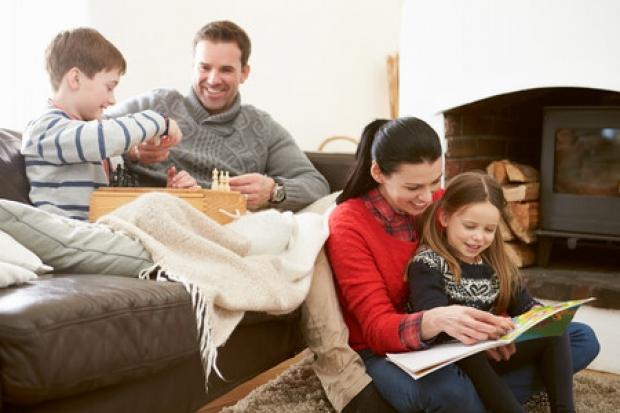 Ayudad a vuestros hijos, cumpliendo lo que prometisteis en su bautismo.